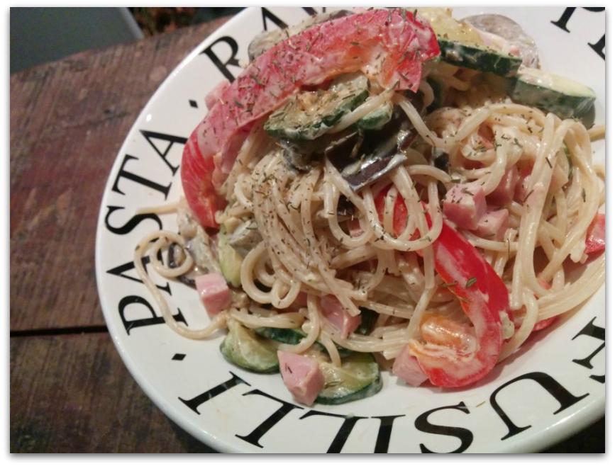 pittige pasta met groenten en geitenkaas - Pittige pasta met groenten en geitenkaas